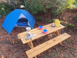 Full camping Pack, Tent, sleeping bag, sleeping mat, cooking set.